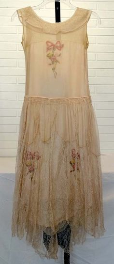 ANTIQUE Vintage 1920's HIGH FASHION COUTURE Silk Chiffon & Crepe FLOWER Dress
