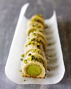 Pistachio Cookies - Recipes - [LIVING AT HOME] You are in the right place about dessert recipes ligh Baking Recipes, Cookie Recipes, Dessert Recipes, Christmas Sweets, Christmas Baking, Christmas Cookies, Merry Christmas, Christmas Recipes, No Bake Cookies