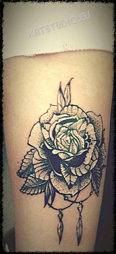 Róża tatuaż, Studio Tatuażu Kattattoo Szczecinek, rose tattoo