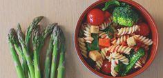 easycottaceramic Ceramic Tableware, Pasta Salad, Asparagus, Vegetables, Ethnic Recipes, Food, Ethnic Food, Crab Pasta Salad, Studs