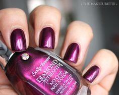Sally Hansen Diamond Strength: Save The Date.  Loving this shimmery Raspberry/Plum colour!
