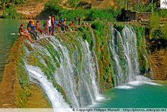 Barrage de Bierge et sa cascade. Sierra de Guara, Espagne