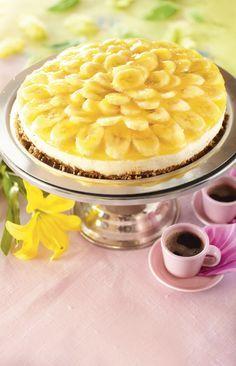 Banaaniaurinko on raikas turkkilaisesta jogurtista ja vaahtoutuvasta vaniljakastikkeesta valmistettu hyytelökakku. Koristelu tekee kakusta näyttävän.
