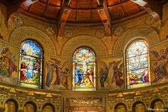 Stained glass windows behind the altar at the front of the church. Beneath the windows is a mosaic reproduction of Roselli's Last Supper. Church Windows, Last Supper, Stanford University, Stained Glass Windows, Barcelona Cathedral, Christianity, Mosaic, Memories, Cathedrals