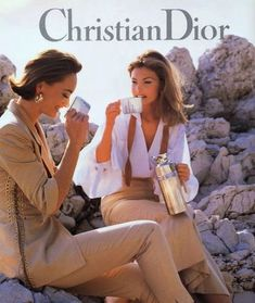 May 2020 - Fashion photography editorial vintage christian dior Ideas Look Fashion, 90s Fashion, Fashion Brands, Fashion Ideas, Vintage Dior, Vintage Vogue, Christian Dior Vintage, Vintage Models, Fashion Vintage