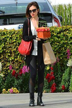 3/10 #リリー・コリンズ #カーディガン #ノースリーブトップス #レースアップブーツ  海外セレブ最新画像・私服ファッション・着用ブランドまとめてチェック DailyCelebrityDiary*
