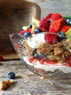 Safarikake - Fra mitt kjøkken Kiwi, Acai Bowl, Oatmeal, Muffins, Baking, Breakfast, Cakes, Food, Store