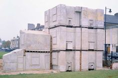 (1993), Rachel Whiteread - House (Tombs? the house as Tomb? The house as collection, house as sarcophagus? How does this relate to ritual? )