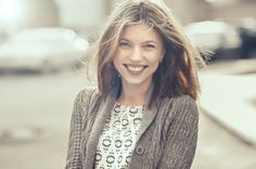 【シーン別】外国人女性を笑顔にする魔法!英語の褒め言葉まとめ