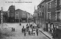 POITIERS - Place Montierneuf