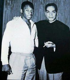 """Mario Moreno """"Cantinflas"""" y Pelé."""
