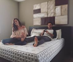 #bedgoals Living the dream with our new @4SleepUSA mattress... Thanks to it, we both sleep like babies Such a good price and so comfortable. It regulates the sleeping surface for people who sleep hot like me, or cold, like Jade. Perfect for foot rubs and video games. Check them out at http://www.4sleep.com/