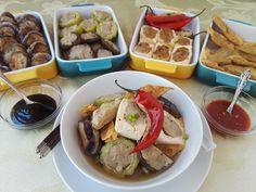 Testing out my Auntie's recipe of Yeong Tau Foo for my next book, Edible Memories.  #yongtaufoo #yeongtaufu #fishcake #vegetable #tofu #taufu #taufoo #cantonesefood #malaysianfood #malaysia #singapore #singaporefood #southeastasia #southeastasianfood #cookbook #southeastasiancuisine #babanyonyaperanakans Peranakan Food, Fishcake, Cantonese Food, Singapore Food, Asian Recipes, Ethnic Recipes, Malaysian Food, Brand Design, Southeast Asia