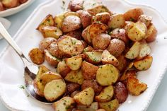https://www.simplemost.com/roasted-potatoes-recipe-taking-over-internet/?partner=raycom&utm_content=buffer40574&utm_medium=social&utm_source=facebook.com&utm_campaign=buffer