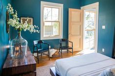 Chip and Joanna Gaines help adventurous first-time homebuyers save one of only two authentic original shotgun style houses still standing in the Waco area. In the end, they transform this vintage find it into an amazing space with imaginative design, but rescuing and restoring the tiny 700-square-foot home turned out to be an epic adventure. From the experts at HGTV.com.