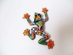 Talavera ceramic frog by La Tienda Store at www. Mexican Home Decor, Mexican Art, Mexican Ceramics, Pottery, Symbols, Statue, Ceramica, Pottery Marks, Ceramic Pottery
