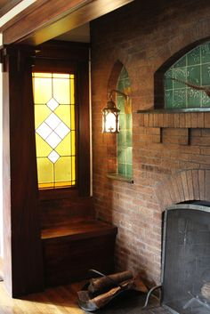 Built-in fireplace seating in a California Craftsman home (Photo by Marcia Prentice)