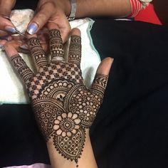 Simple Mehndi Designs Fingers, Mehndi Designs Front Hand, Mehandhi Designs, Mehndi Designs For Kids, Henna Tattoo Designs Simple, Mehndi Designs Feet, Latest Bridal Mehndi Designs, Mehndi Designs 2018, Mehndi Designs For Beginners