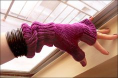 Free Knitting Pattern - Fingerless Gloves & Mitts: Cold Turkey Fingerless Gloves