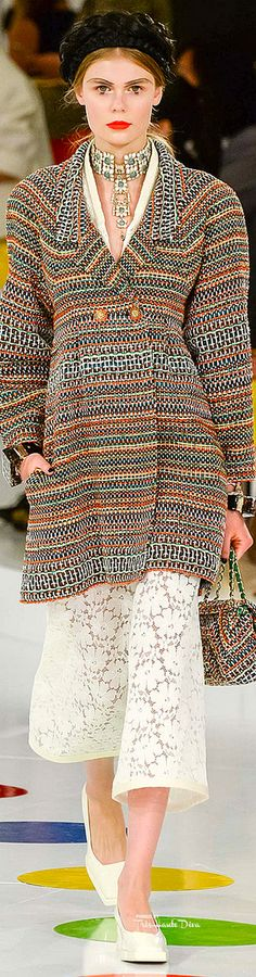 Chanel - Resort 2016 - Look 19 of 96 Chanel Cruise 2016, Chanel 2015, Chanel Resort, Fashion Week, Runway Fashion, Fashion Show, Fashion Design, Fashion Trends, Chanel Couture