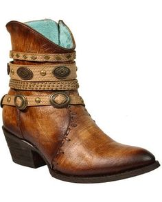 Corral Women's Zipper Studded Harness Fashion Booties - Round Toe Dark Brown 7 M Women's Shoes Short Cowgirl Boots, Short Boots, Western Boots, Cowboy Boots, Leather Fashion, Fashion Boots, Botas Boho, Bootie Boots, Ankle Boots