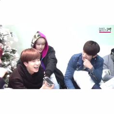 """Watch suga.bb♡°˖ ✧◝'s Vine, """"YOUNGJAE AND HIS SISTER HAVE THE EXACT SAME LAUGH OMG I LOVE IT! """""""