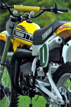 Enduro Vintage, Vintage Motocross, Vintage Bikes, Vintage Motorcycles, Custom Motorcycles, Yamaha 250, Motos Yamaha, Yamaha Motorcycles, Yamaha Motocross