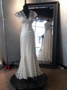 Claire Pettibone 'Eloquence' wedding gown - photo: @Kathy Chan Davis-Reid White Dress Bridal Shop
