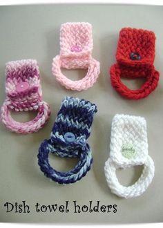 Dish Towel Holder (loom knit) by Crochet by Erin - Craftsy Crochet Pattern Free, Knit Or Crochet, Crochet Crafts, Yarn Crafts, Crochet Patterns, Loom Crochet, Crochet Granny, Stitch Patterns, Crochet Towel Holders