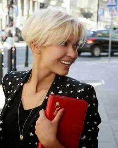 Jennifer Lawrence's Light Blonde Short img786f553c5e125b09d