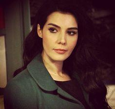 Hatice Sendil, Emily Blunt, Turkish Beauty, Turkish Actors, Muse, Hair Makeup, Drama, Celebrity, Actresses