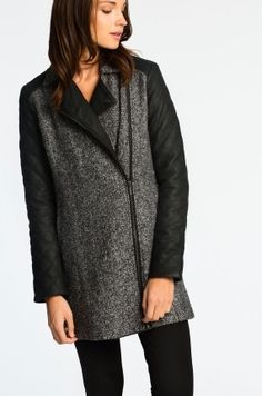Płaszcz z melanżowej dzianiny + skóra ekologiczna - 179,90 zamiast 300 PLN