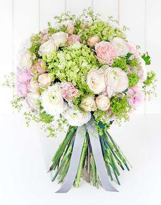 Classic - Vogue's Amberley Bouquet