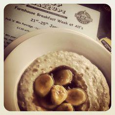 Sticky sweet banana porridge #breakfast #alfs #porridge #breakfastwatch