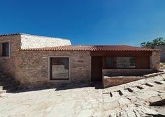 House in Serra de Janeanes by João Branco