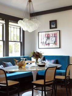 If you're anything like me, you're always calling dibs on the banquette seat when you dine out. I mean, who doesn't want to be super comfy and cozy on a plush sofa seat (sorry chairs!). To further entice that lust for the best seat in the house, check out this round up of settees being used in uber-chic dining rooms by some top-notch design talents.