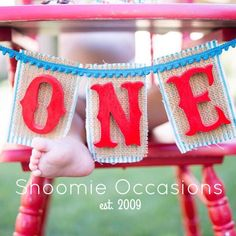 One banner from Shoomie Occasions. Photo cred. @lisamariephotographie