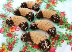 Czech Recipes, Christmas Desserts, Cookies, Food, Bakken, Christmas Deserts, Crack Crackers, Eten, Cookie Recipes