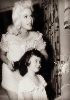 Young Mariska Hargitay with her mother, Jayne Mansfield.