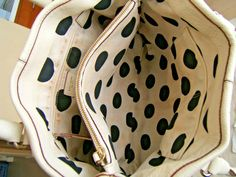 Condition is good with light wear under handles and a spot on back of purse, interior has what looks like makeup stains. Check out all the pictures using the magnify option. Kate Spade, Buttery Biscuits, Shopper, Pebbled Leather, Purses And Handbags, Crocs, Leather Purses, Beige, Sandals