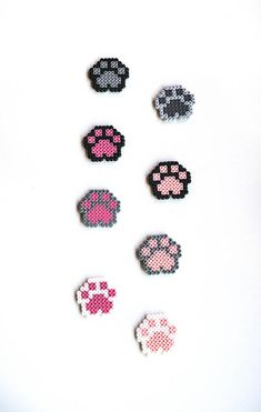 Dog Paw Cat Paw Magnet Donation for animals Pixel art 8 bit