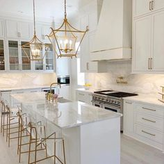 Gold Kitchen, Home Decor Kitchen, New Kitchen, Home Kitchens, Kitchen Ideas, Square Kitchen, Modern Kitchens, Country Kitchen, Modern Kitchen Design
