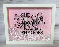 Glitter Home Decor, Glitter Bedroom, Shadow Frame, Diy Shadow Box, Flower Shadow Box, Flower Boxes, Flowers, Glitter Rosa, Sparkle Quotes
