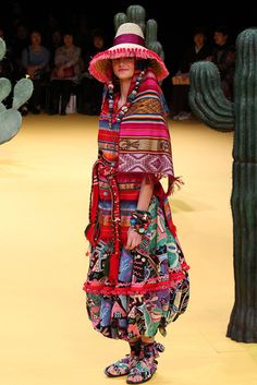 Tokuko Maeda, spring 2012 - if anyone with a closer relationship to Mexican culture finds this offensive, please let me know! For more of Mexico visit www. Folk Fashion, Ethnic Fashion, Colorful Fashion, Fashion Show, Big Fashion, Ethno Style, Hippie Style, Bohemian Style, My Style
