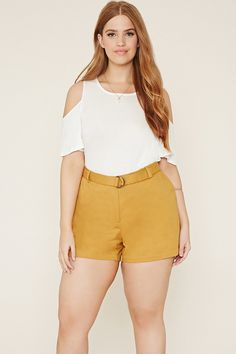 Find a variety of plus size bottoms at Forever Feel your best in skinny jeans, palazzo pants, high waisted jeans & more in plus size bottoms! Curvy Fashion, Retro Fashion, Forever 21 Plus, Plus Size Shorts, Classy And Fabulous, Outfit Sets, Outfit Of The Day, Work Wear, Colorful Shirts