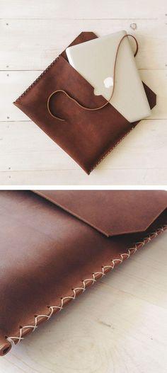 Brown Leather MacbookPro Case - Women's Wallet Designs, Best Handbags for Women, . Outlet Michael Kors, Cheap Michael Kors, Handbags Michael Kors, Mk Handbags, Diy Sac, Mk Bags, Leather Projects, Leather Crafts, Leather Design