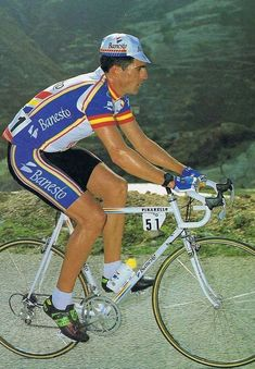 roadworksbicyclerepairs: Czech this shit out. Laurent Fignon, Run Cycle, Sports Celebrities, Vintage Cycles, Bicycle Race, Bike Rider, Classic Bikes, Sports Stars, Road Bikes