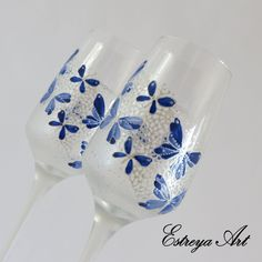 Wedding toasting flutes, Anniversary gift, personalized gift, blue wedding, butterflies, set of 2