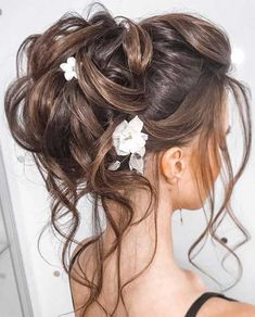 44 Messy updo hairstyles - The most romantic updo to get an elegant look Bridal Hair Updo, Wedding Hairstyles For Long Hair, Loose Hairstyles, Straight Hairstyles, Hair Wedding, Wedding Bride, Office Hairstyles, Anime Hairstyles, Stylish Hairstyles