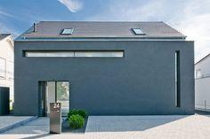 Haus K in Friedrichstal : Minimalistische Häuser von Dipl.-Ing. Freier Architekt BDA